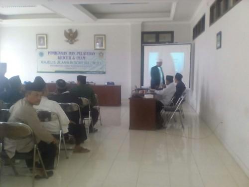 Pembinaan dan Pelatihan Khotih dan Imam Kecamatan Cariu