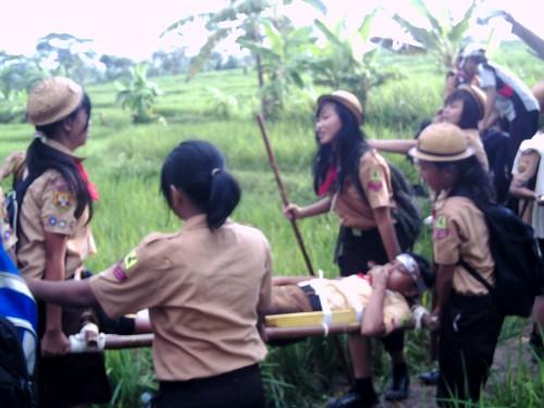 Simulasi Berlatih P3K Anggota Pramuka Kecamatan Cariu