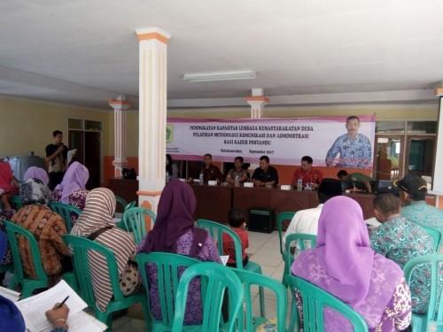 Pelatihan metodologi komunikasi dan administras kader posyandu